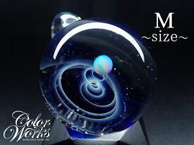 宇宙ガラスペンダント 送料無料!人気商品 ブルー Mサイズ 宇宙ガラスペンダント 宇宙ガラス ガラスペンダント ペンダントトップ ガラスアクセサリー オパール シルバー フェザー ユニセックス ペア 宇宙 月 プレゼント ギフト