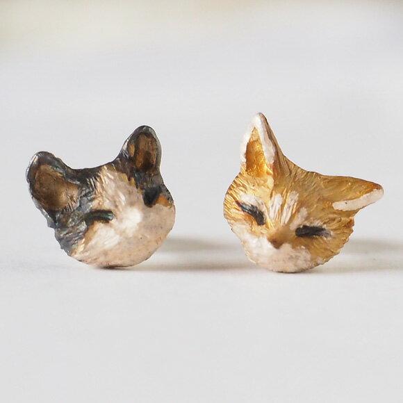 DECOvienya(デコヴィーニャ) 手作りアクセサリー ネコピアス 茶トラ&白黒ハチワレ 2個セット [DE-108] ハンドメイドアクセサリー ジュエリー 動物 アニマル フィギュア 個性的 チタンポストあり 猫 ねこ リアル レディース メンズ 日本製 国産