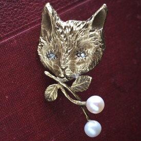 sasakihitomi(ササキヒトミ) ねこのブローチ 真鍮&パール [No-076] アクセサリー作家・佐々木ひとみ 手作りアクセサリー・ハンドメイドアクセサリー ネコ 猫 アンティーク調 淡水真珠 スワロフスキー 動物 シンプル ピンバッジ ピンバッチ 日本製 国産