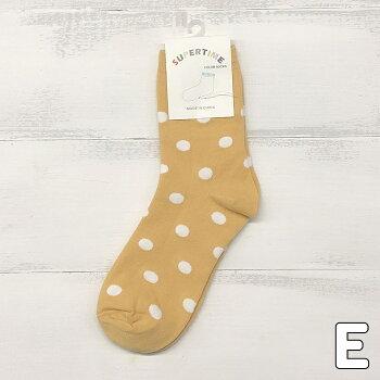 ベーシック大きめドットソックス靴下レディースソックスカジュアルソックスプレゼントワンポイントかわいいアクセサリー雑貨おしゃれ清潔感水玉ホワイトブラックピンク黄色