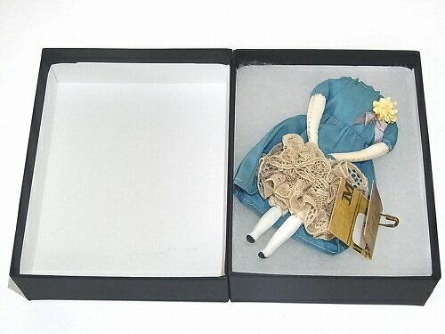 『壊れたギニョールブローチ』(弐)(パープルのワンピース×グレーのレース)【nikibbitニキビット】ハンドメイドオススメユニークアクセサリー個性的珍しい不気味可愛いおもしろいプレゼント世界手作りプレゼントグッズ古ぼけたコサージュ♪