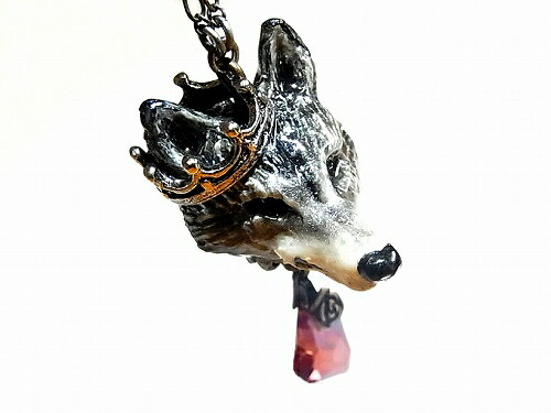 狼ネックレス『オオカミの載冠式』(シルバー+スワロレッド)【Wadou-koubou和道工房】アニマル動物かわいいどうぶつアクセサリージュエリーメルヘンおしゃれハートクラウン王冠プレゼントおおかみチャームレディース星雑貨スターブローチ