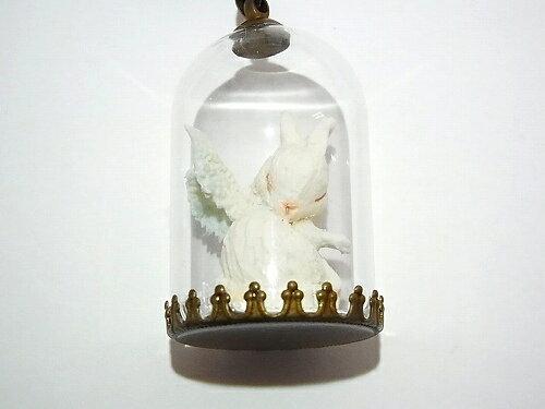 ウサギネックレスクリスマス2018X'smas「天使の休息」【Wadou-koubou和道工房】オブジェラビットグッズ作家かわいいアクセサリー個性的ハンドメイドカワイイレディースおもしろガラス兔おしゃれジュエリープレゼント硝子モチーフ人気鳥スノー雪