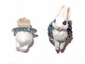 『 ウサギのイヤリング (ホワイト×ブルー)』 Wadou-koubou 和道工房 アクセサリー メルヘン モチーフ チャーム ハンドメイド 個性的 カワイイ レディース お洒落 兎 ラビット おもしろ ジュエリ