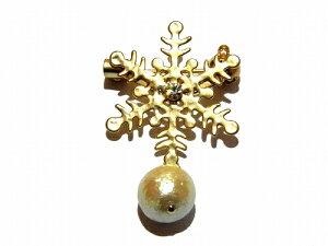 ルチカ ブローチ ★ メール便 送料無料 ★『 snow cristal 』(カラー:ゴールド) Luccica 個性的 プレゼント お祝い 春物 季節 シーズン 贈り物 雑貨 楽しい 冬 結晶 変わった ほどよい チャーム