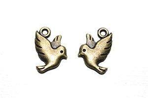 鳥 小さいチャーム 金古美 2個 アンティークゴールド レジン パーツ キーホルダー ネックレス ピアス アクセサリー DIY ハンドメイド