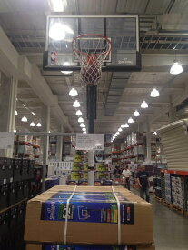 《送料無料》【コストコ】SPALDING スポルディング バスケットボール ゴール 52インチ ポータブル バックボード付 組み立て【Z】
