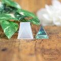 1個【小】四角錐20×20mmシリコンモールドレジンクラフトオルゴナイト