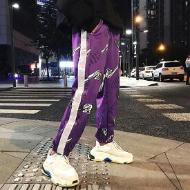 【即納あり】ジョガーパンツ ピストル柄 サイドライン 反射テープ 光る ウエストゴム ロング ボトムス ダンス 衣装 ヒップホップ コスチューム 韓国ファッション 大きいサイズ 個性的 服 原宿系