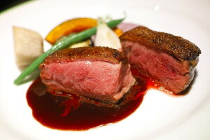 【不定貫】スペイン産鴨ロース(胸肉) 約350g〜500g(1,575円〜2,250円)