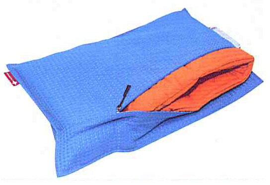 アットスカイ■品名:エマージェンシー防災クッション■クッションカバー+防災ズキンのセットです。■色:ハワイアンブルーもしものときに備えて・・・普段はクッションとしてお使いいただけます。