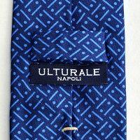 ウルトゥラーレULTURALEメンズアクセサリーシルク100%ジオメトリックブルー&ブルートレピエゲ3つ折りネクタイイタリア製剣先幅7cmナロー