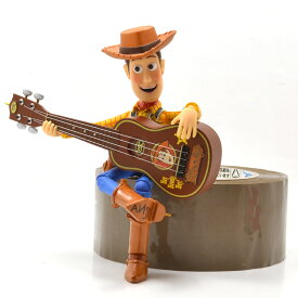 "Hallmark Disney/PIXAR ""TOY STORY 2"" ""Woody's Roundup Guitar"" ホールマーク ディズニー/ピクサー 「トイストーリー2」 「ウッディのラウンドアップ♪ギター」 クリスマス オーナメント サウンド機能付き"