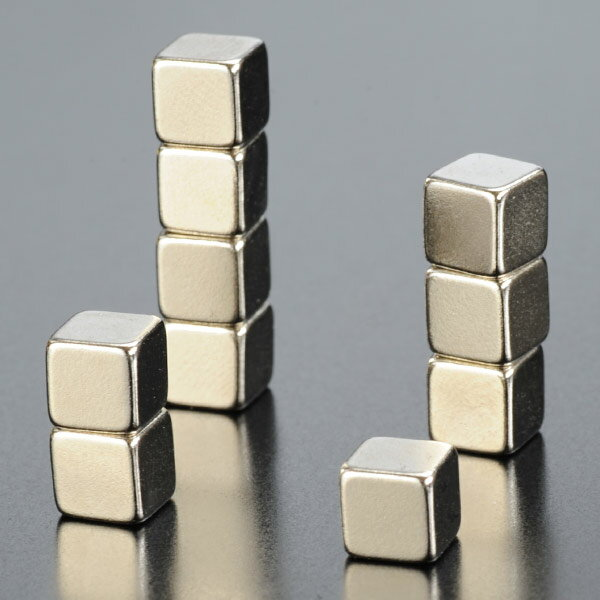 ナイフディスプレイ 強力磁石 スクエア型 10個 強力マグネット 正方形 ナイフディスプレー ディスプレイスタンド ディスプレースタンド ナイフ用ディスプレー ディスプレイ用スタンド