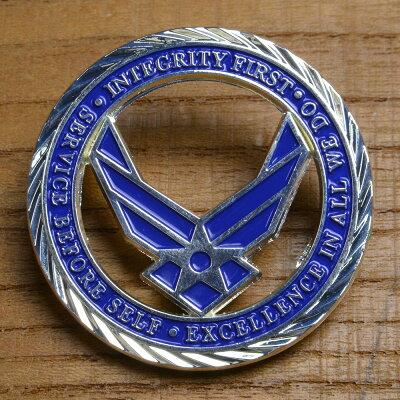 チャレンジコインU.S.エアフォース紋章記念メダルChallengeCoin記念コインUSAFアメリカ軍モットー亜鉛合金シルバーメッキ彫刻円形透明ケース付き