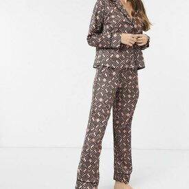 エイソス ASOS asos ASOS DESIGNプレミアムモノグラムトラディショナルサテンシャツ&パンツパジャマセットブラウン 部屋着 レディース 女性 インポートブランド 小さいサイズから大きいサイズまで