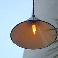 口金17のLEDシャンデリア電球。エジソンバルブノスタルジアシリーズ。ゴールドとグレーガラス。ロウソク型。暗めのおしゃれなレトロ電球
