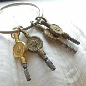アンティーク キー 鍵 かぎ イギリス 小物 アクセサリー ディスプレイ プレゼント キーホルダー ストラップ