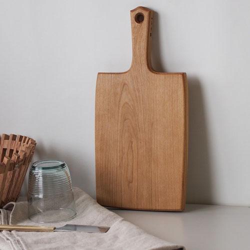 東屋 チーズボード大ヤマザクラ無垢材(オイルフィニッシュ)[木製カッティングボード 天然木 無垢材 まな板]