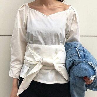 ムルーア MURUA waist marking volume blouse blouse Lady's long sleeves black waist marking belt tops v neck volume sleeve 011810400401