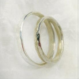純銀製槌目柄入りペアリングを格安価格でご提供します。約1.8mm幅は、槌目柄と平打ちをご用意しました。約2.5mm幅は槌目柄のみです。シルバーリング SV1000 売れ筋 オススメ商品純銀指輪