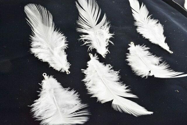 アクセサリーパーツ 羽 フェザー ホワイト 銀 チャーム カン付 7枚セット 9cm