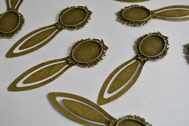 アクセサリーパーツ レジン ミール皿 髪飾り 金古美 しおりパーツ ブックマーク 81mm 1個