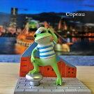 【新作】コポー港町でハイ、ポーズ!copeauコポーシリーズコポタロウコポたんかえるカエル雑貨置き物オブジェフィギュア置物小物ガーデンミニチュアDRAWERPLUSドロワープラスどろわーぷらすダイカイ【72237】