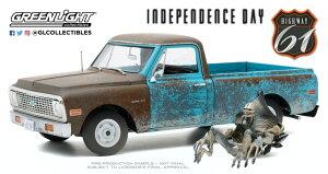 Highway 61 1/18 ミニカー ダイキャストモデル 1971年モデル シボレー C10 1996年公開「インデペンデンス・デイ」フィギュア付きIndependence Day (1996) - 1971 Chevrolet C-10 with Alien Figure 1:18 Greenlight