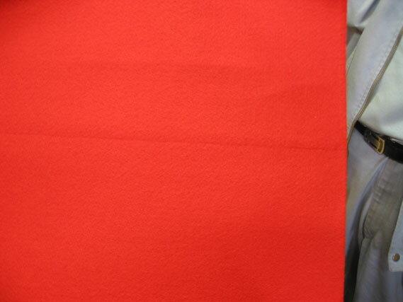 91cm巾x30m巻【訳ありB反】レッドカーペット(朱赤パンチカーペット)【送料無料】ノークレームノーリターンでお願いします。