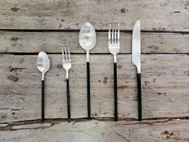 TAMAKI/タマキ/Rikizo/Cutlery set/カトラリーセット/カトラリー/食器/器/お皿/アンティーク/ギフト/プレゼント/食洗機対応/北欧/おしゃれ/かわいい/盛り付け/おうち時間/おうちごはん/スプーン/フォーク/ナイフ/シルバー/黒/
