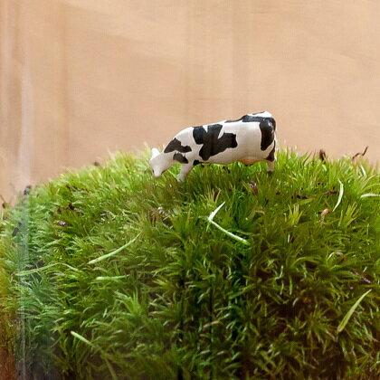 牛のフィギュア(1基)