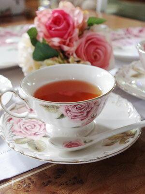 「ローズ・オブ・ローゼス」薔薇ティーカップ&ソーサー薔薇のスプーン付き♪即納致します!高級薔薇のギフトボックス付☆更に豪華なソーサーとカップのデザインで入荷しました♪