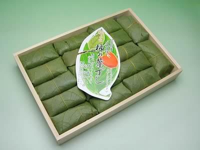 四郷 福本商店の柿の葉ずしさばと鮭 三合折