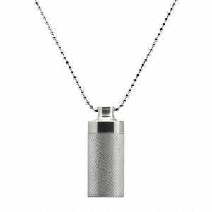 ペンダントトップ チタン 軽量でストレスフリー メッシュ柄筒型のネジ式ロケットペンダント マット加工 直径18.0mm 高さ44.0mm 銀色 シルバー ネックレスチェーン付き カプセル カロート 遺骨