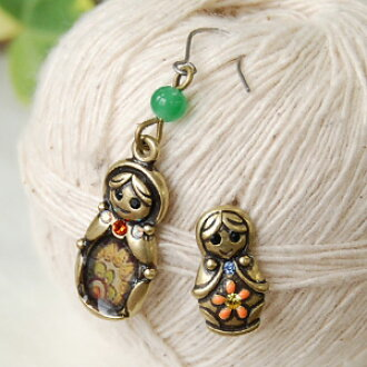 I love matryoshka I must see! マトリオシカ smiled with a smile very cute earrings accessories ◆ Matrioshka earrings