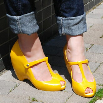 Strap sandals, vivid color rubber pumps landed from Brazil! VINYL pumps for safety on a rainy day in round form a stable wedge sole ◆ melissa (Melissa officinalis): t ストラップウェッジソール pumps [VINYL II]