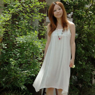 A simple dress easily transforms itself! A balloon tunic and three ways of silhouettes including the asymmetric dress hiding behind in a basic plain sleeveless dress are the 3WAY tank dress ◆ witch arrangement no sleeve dresses of the strong friend of th