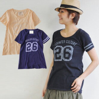 Sporty print & natural cloth feeling. The crack print of the ideal football Tee ♪ vintage style is digested so that an adult mix-and-matchs it; No. 26 short-sleeved long length cut-and-sew ◆ COUNTER CULTURE print T-shirt with the feeling