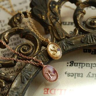 Subtle, delicate pendant antique alphabets and glass stones to shut up! Letter Roman alphabet jewelry yellow gold pink A M R S Y K ladies ◆ zoule (Zora): rainstorminitialeplartnecklace