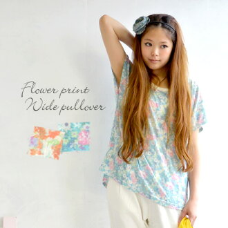 Short-sleeved cut-and-sew of the floral design. Short-sleeved dolman sleeve / transformation / Lady's Tee/ tunic / long shot cut-and-sew / long shot length ◆ Seine flower dolman T-shirt tunic of the wide width of the body worn with good cloth for skin fa