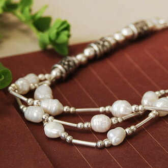 "Breath three like I have! Attractive beautiful shells of Freshwater Pearl! A unique matte silver beads classy texture and natural stone breath! ◆ Silver Bead Bracelet [flower barrel], ""products at outlet prices."