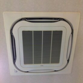 事務所・医院・店舗天井埋込エアコンの分解・高圧クリーニング