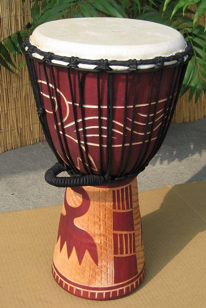 インドネシア・木製ジャンベ☆木彫りMサイズ(ME)☆