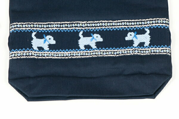 【手刺繍スモッキング】【プードル・ブルー】紺色布製 :巾着バッグ【シューズケースやお着替え入れに人気!】【お受験バッグの●エレガンテ・ポポ】