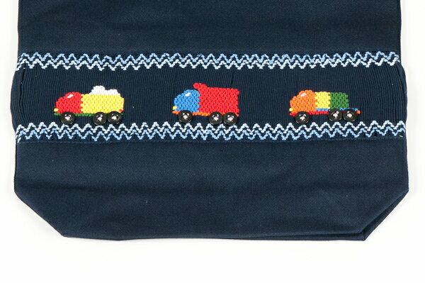 【手刺繍スモッキング】【トラック】紺色布製 :巾着バッグ【シューズケースやお着替え入れに人気!】【お受験バッグの●エレガンテ・ポポ】
