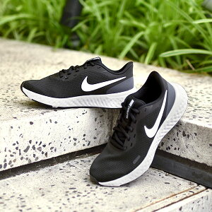 ランニングシューズ ナイキ NIKE レディース レボリューション 5 ランニング ジョギング マラソン 運動靴 スニーカー シューズ 初心者 トレーニング REVOLUTION BQ3207 ブラック 黒