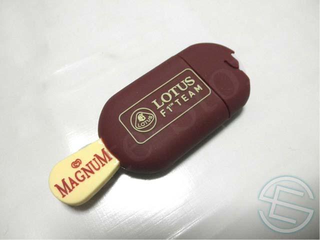 【送料無料】 ロータス 2013年 非売品 マグナム アイス型 USB メモリー (海外直輸入 F1 非売品グッズ ライコネン)