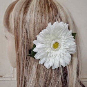 髪飾り ヘアアクセサリー ヘッドドレス 成人式 謝恩会 卒業式 花 ウエディング パーティー ブライダル 女性 着物 ヘッドコサージュ コサージュ ガーベラ 白