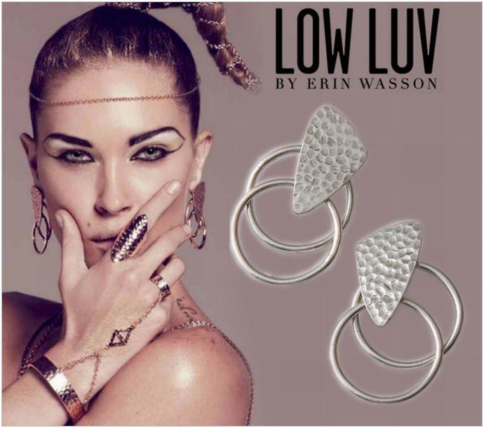 【訳あり】[LOW LUV×ERIN WASSON/ロウラヴ]HAMMERED LOOP EARRING【1点のみメール便可能】